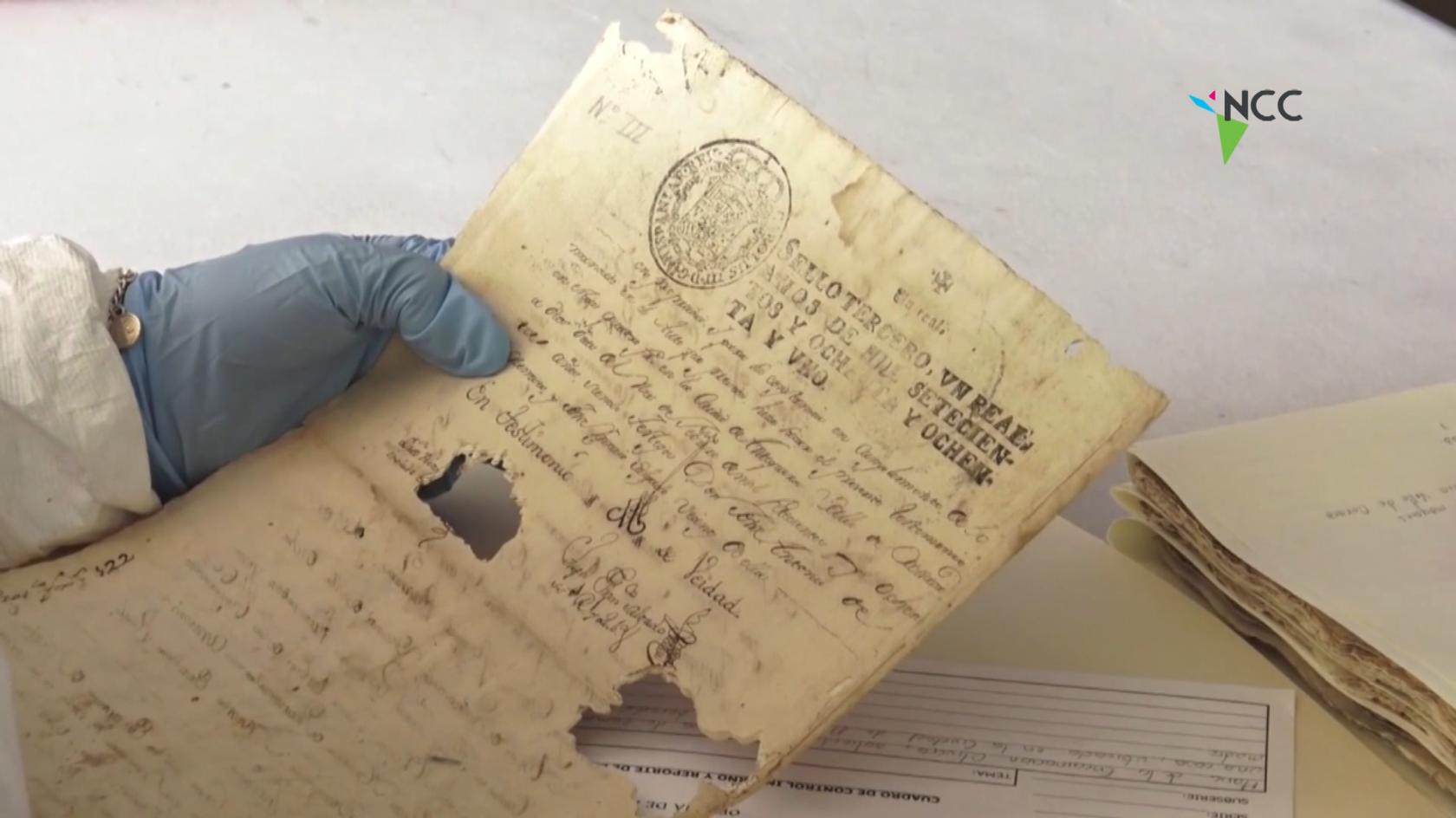 Restauran documentos de la época Virreinal y del México moderno
