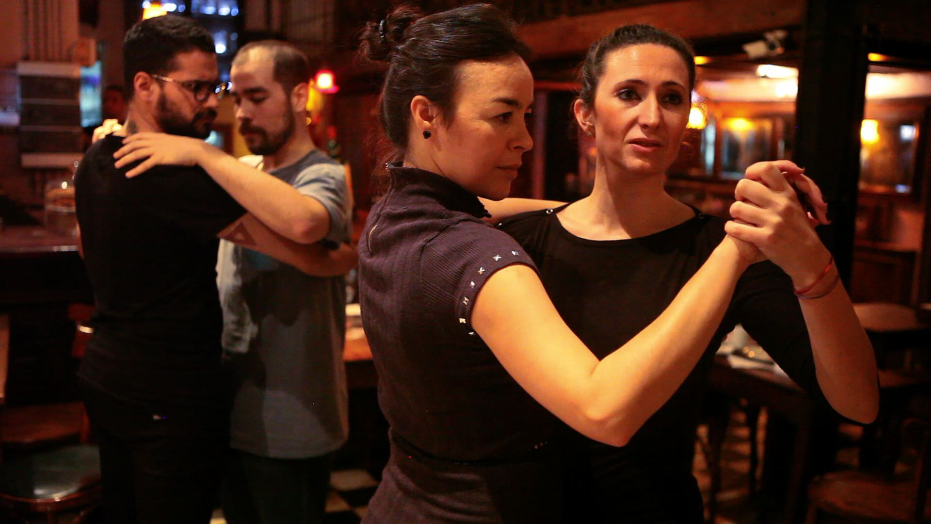 Cuando el sexo de la pareja no importa para bailar tango