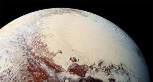 Plutón visto de cerca (2006)