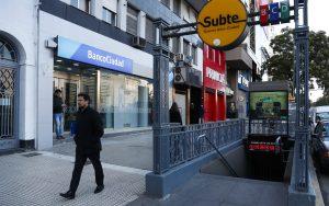 Argentina amanece con cortes de carreteras y sin transporte por huelga