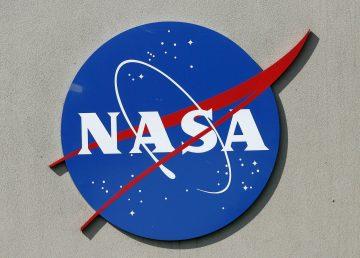 Renuncia astronauta