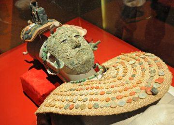 Presentan en México el ajuar funerario de la Reina Roja, un tesoro maya Foto 1