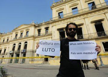 Sofocado el incendio que destruyó el Museo Nacional de Río de Janeiro