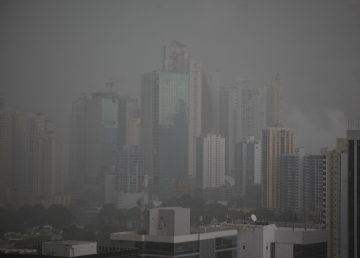 Panamá espera que mal tiempo no afecte fin de semana de rebajas comerciales
