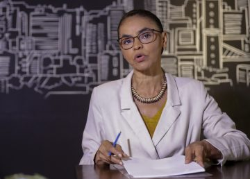 Candidata ecologista Marina Silva se reúne con ambientalistas