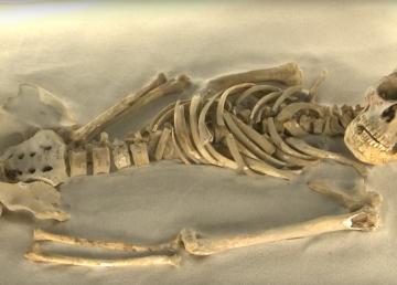 restos de individuos hallados en la cueva de Puyil