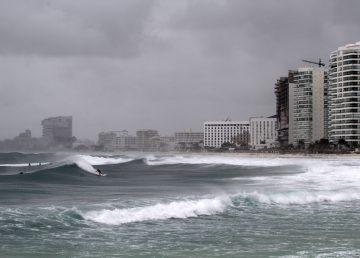 Michael, con vientos cada vez más fuertes, se adentra en el Golfo de México