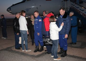 Los astronautas rescatados de la nave Soyuz