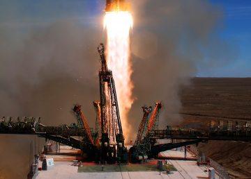 La nave Soyuz aterriza tras fallar el cohete y los astronautas están vivos