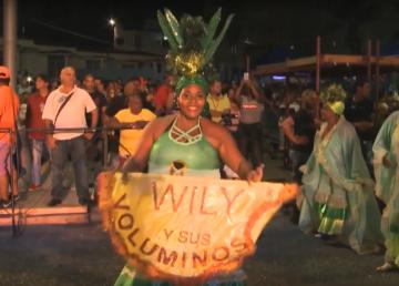 Mujeres redondas bailan contra la discriminación femenina