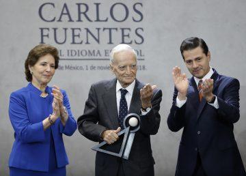 """México premia la """"lúcida mirada ante la crudeza del mundo"""" de Luis Goytisolo"""