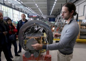 """Rusia quiere recrear los primeros momentos de Universo con un """"supercolisionador"""""""