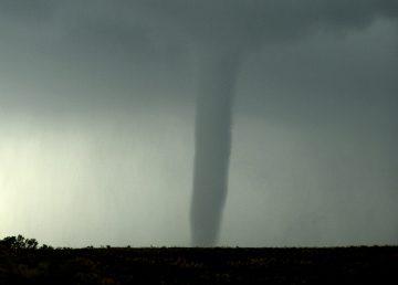 Tornado llega a McLean, Texas