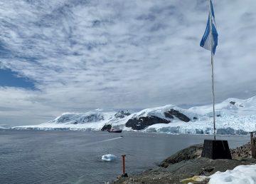 Líderes científicas llegan a base Brown, primer paso en continente antártico