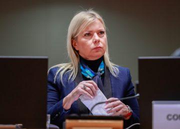 La comisaria europea de Industria, Elzbieta Bienkowska
