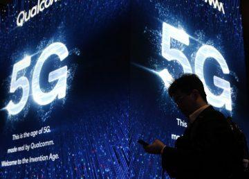 """Un cirujano realiza la """"primera"""" operación guiada a distancia con red 5G"""