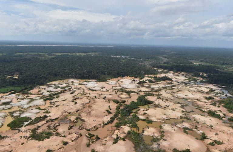 Indígenas de Perú, los protectores de los bosques del Amazonía