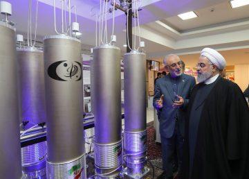 Irán presenta 114 logros de la tecnología nuclear e instala centrifugadoras