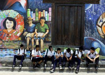 Ciudad hondureña se llena de color y sabor en festivales de pintura y comida
