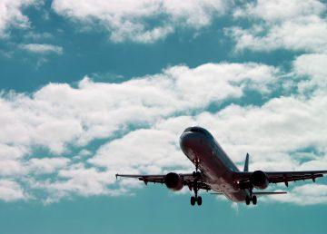 Científicos chinos convierten desechos agrícolas en combustible para aviones