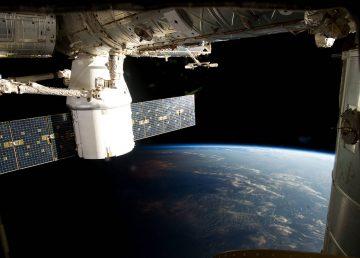 Incidente en prueba de cápsula SpaceX retrasa el primer vuelo tripulado