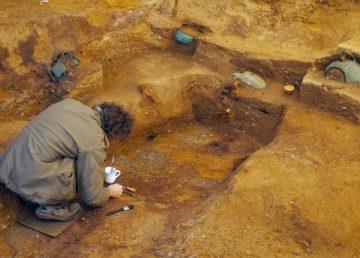 Hallada tumba real cristiana-anglosajona más antigua en Essex, Reino Unido