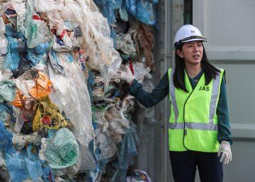 Malasia devuelve 3.000 toneladas de plástico no reciclable a sus países de origen