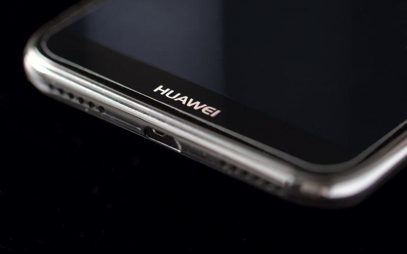 Huawei podrá descargar Google Play, pero no actualizar Android