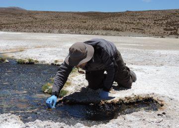 """Encuentran sustancias dañinas y """"fantasmas"""" en el agua potable de Chile"""