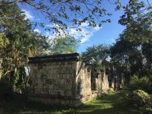 Recuperan su esplendor palacios de ciudad maya de Kulubá en México