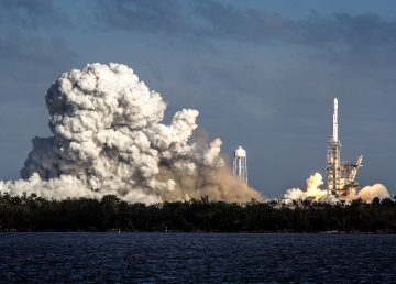 SpaceX lanza al espacio 24 satélites del Pentágono y la NASA, entre otros
