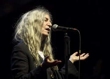 La legendaria Patti Smith actuará por primera vez en Uruguay