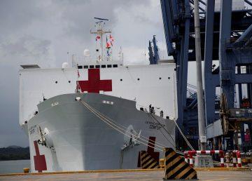 Buque de EE.UU. inicia en Ecuador una gira de atención médica
