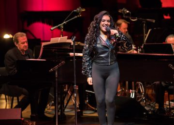 Orquesta Sinfónica de Houston homenajea la música de Selena Quintanilla