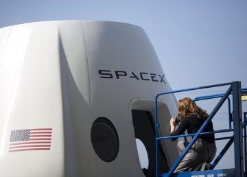SpaceX prueba con éxito su nuevo vehículo Starhopper