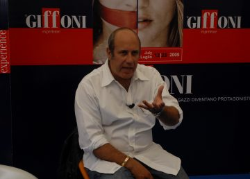 Escritor Federico Moccia transita de las librerías a la pantalla grande