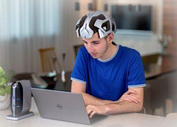 Empresa desarrolla casco que reduce déficit de atención con descargas