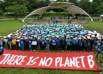 Centenares de miles de estudiantes lanzan una huelga global contra el cambio climático.