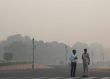 Nueva Delhi sumergida en una peligrosa nube ocre de contaminación