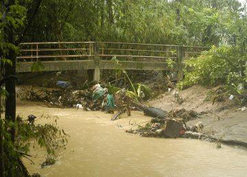 Sube a 7 el número de muertos por lluvias torrenciales en Costa Azul francesa