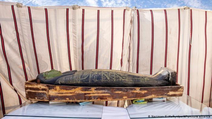 "Egipto reveló nuevos ""tesoros"" encontrados en la necrópolis de Saqqara"