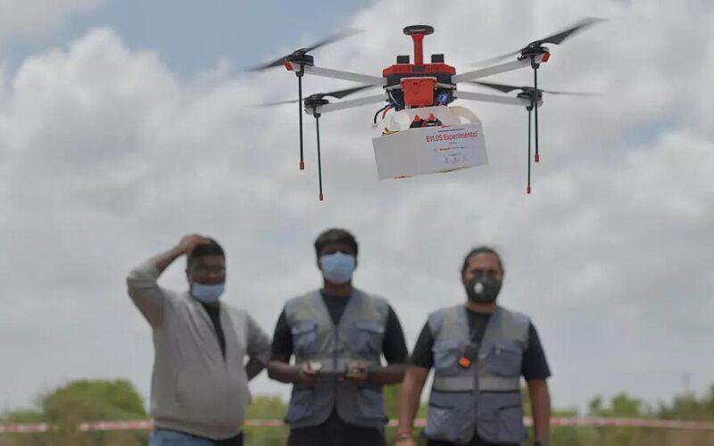 Primeras pruebas para envíos de medicamentos con dron a zonas remotas de India